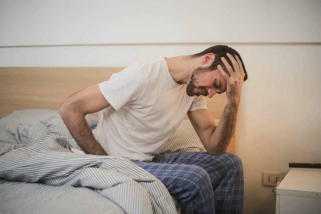Mand har sovet dårligt